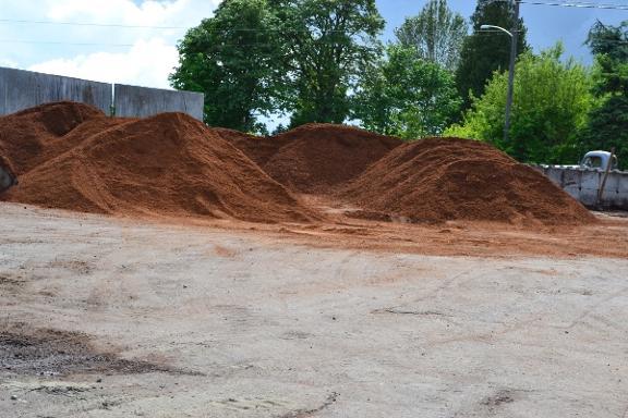 Hi Grade Bark Rock Topsoil